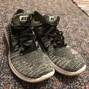Nike Flyknit Free Run Shoes